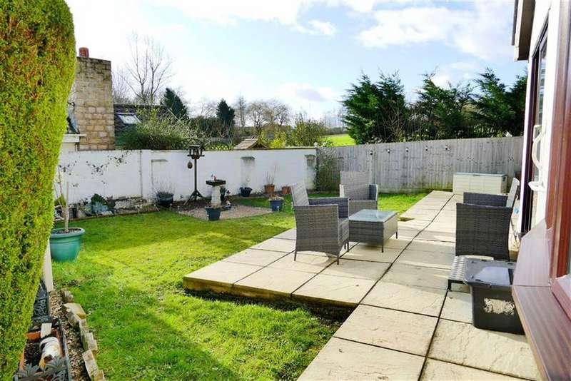 3 Bedrooms Detached Bungalow for sale in Walter Sutton Close, Curzon Park, Calne
