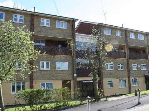 3 Bedrooms Flat for rent in Knightsbridge Court, Oakthorpe Drive, Kingshurst, B37 6HX
