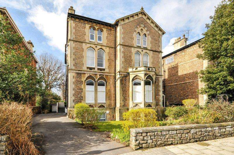 3 Bedrooms Apartment Flat for sale in Pembroke Road, Clifton