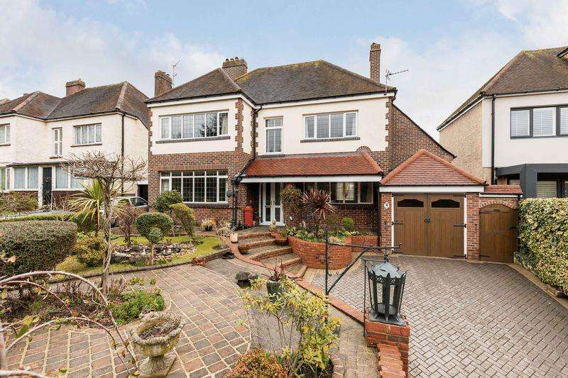 4 Bedrooms Detached House for sale in London Road, Cosham