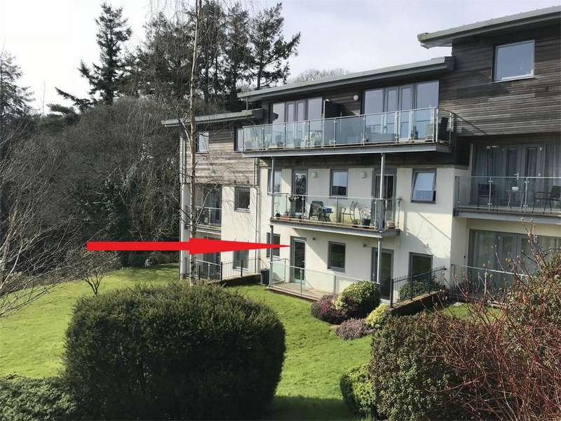 2 Bedrooms Flat for sale in Woodland View, Duporth, ST AUSTELL, Cornwall