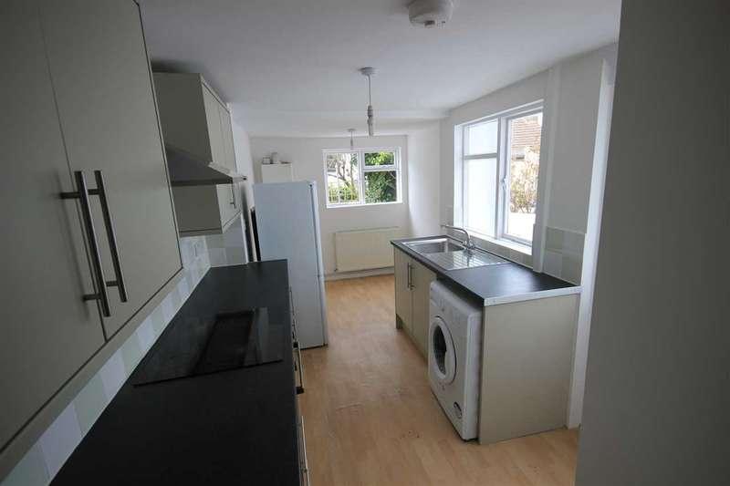 4 Bedrooms House for rent in Lynton Street, Brighton