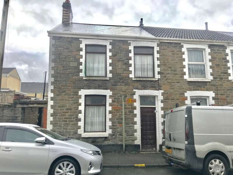 3 Bedrooms End Of Terrace House for sale in Creswell Road, Neath