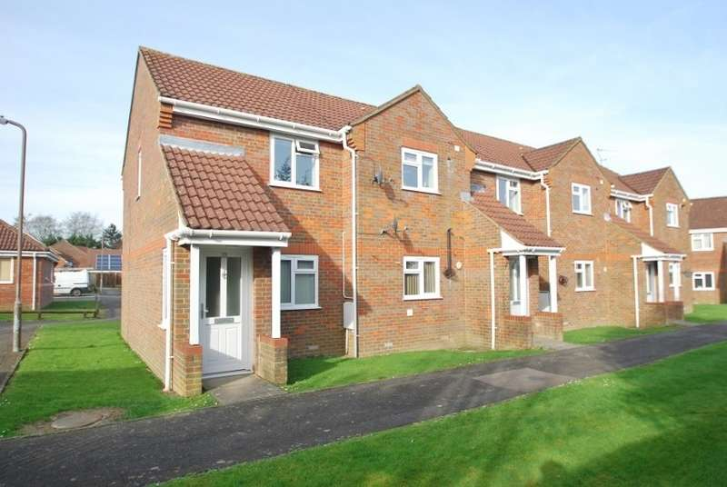 2 Bedrooms Flat for sale in Pavilion Way, Little Chalfont, HP6