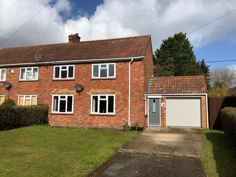 2 Bedrooms Semi Detached House for sale in Wimborne