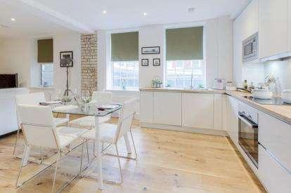 2 Bedrooms Flat for sale in Arthur Court, 2-4 Arthur Street, Wellingborough, Northamptonshire