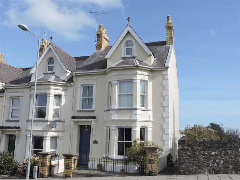 6 Bedrooms End Of Terrace House for sale in Windy Hall, Fishguard