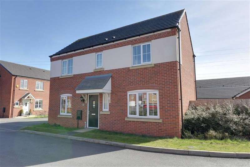 3 Bedrooms Detached House for sale in Wilton Close, Cannock, Staffordshire