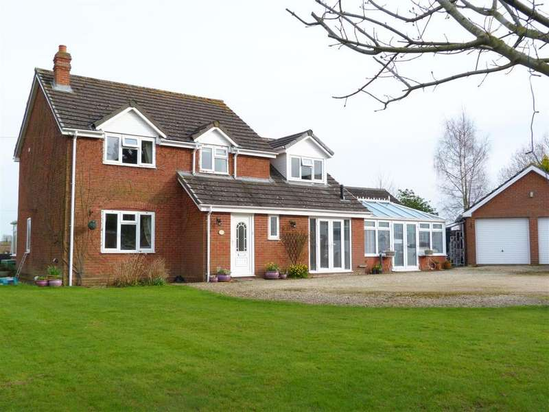 4 Bedrooms Detached House for sale in Shelwick, Hereford, HR1