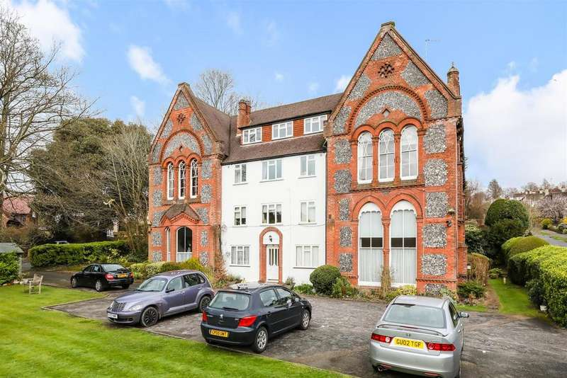2 Bedrooms Ground Flat for sale in The Approach, Preston Park, Brighton