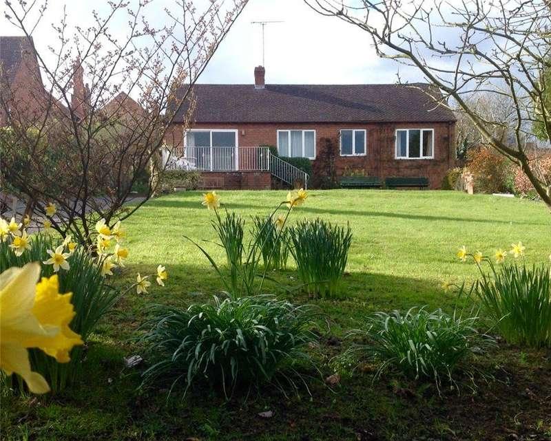 3 Bedrooms Detached Bungalow for sale in Barkers Lane, Cleobury Mortimer, Kidderminster, Shropshire, DY14