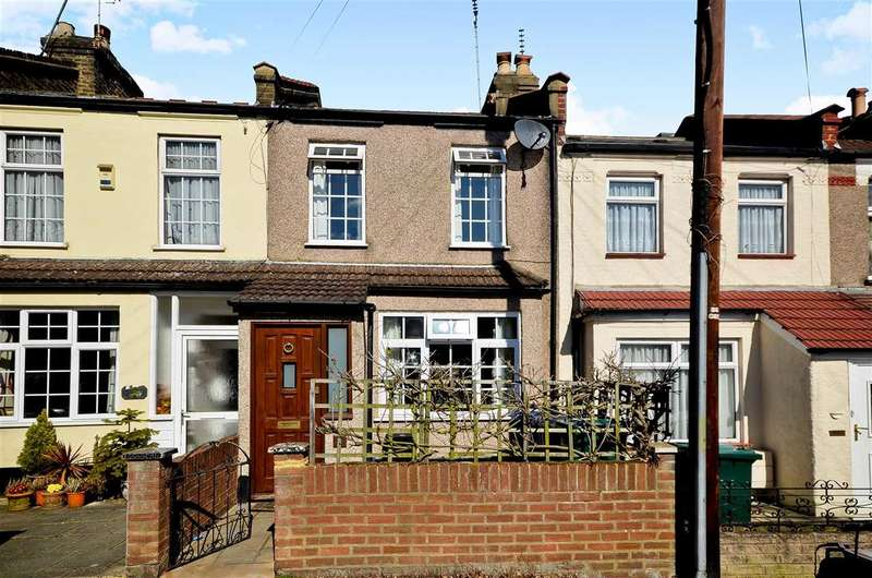 2 Bedrooms Terraced House for sale in Brunswick Crescent, London