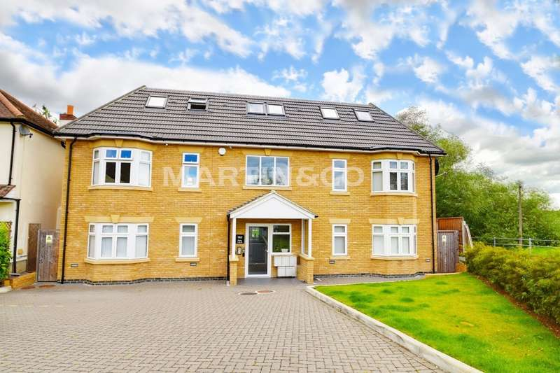 2 Bedrooms Apartment Flat for sale in Roding Road, Loughton IG10