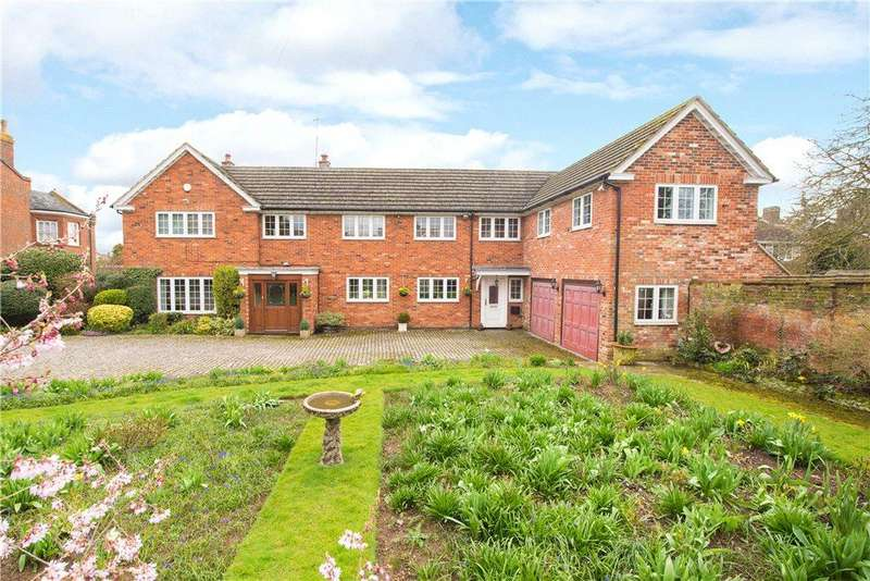 6 Bedrooms Detached House for sale in London Road, St. Ippolyts, Hitchin, Hertfordshire