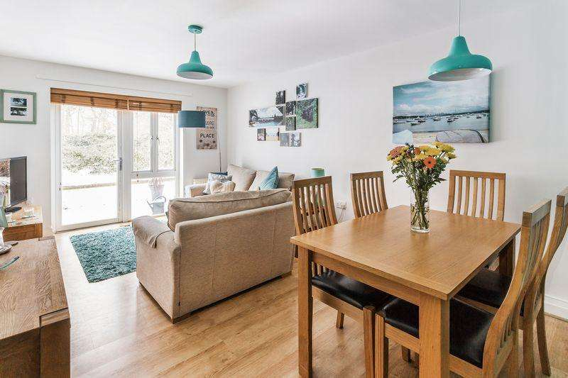 2 Bedrooms Apartment Flat for sale in Little Street, Guildford