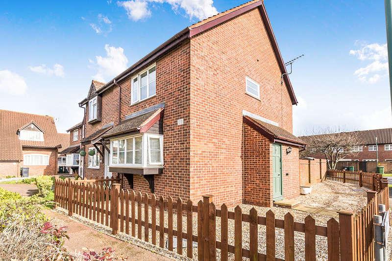 3 Bedrooms Semi Detached House for sale in Falcon Close, Dartford, DA1