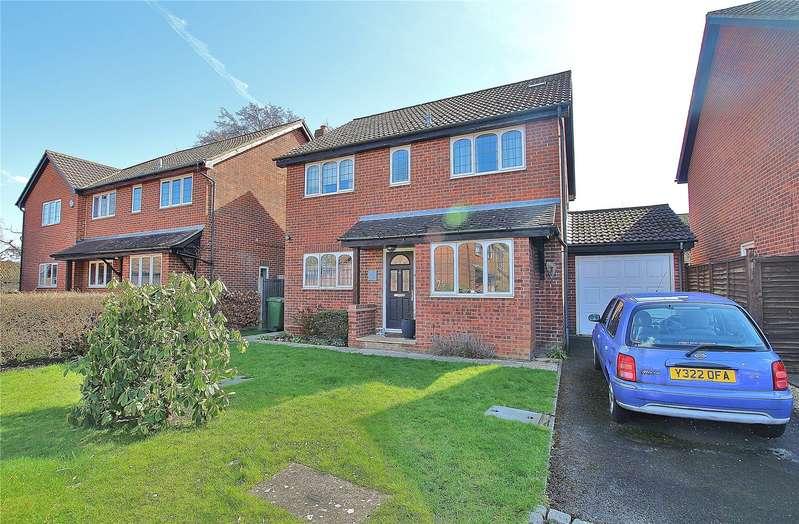 4 Bedrooms Detached House for sale in Strawberry Fields, Bisley, Woking, Surrey, GU24