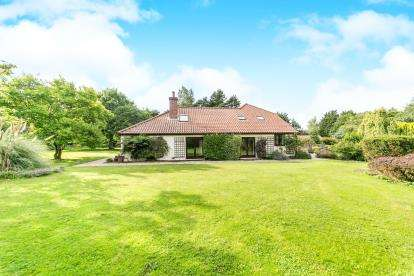 5 Bedrooms Detached House for sale in Great Wenham, Colchester, Suffolk