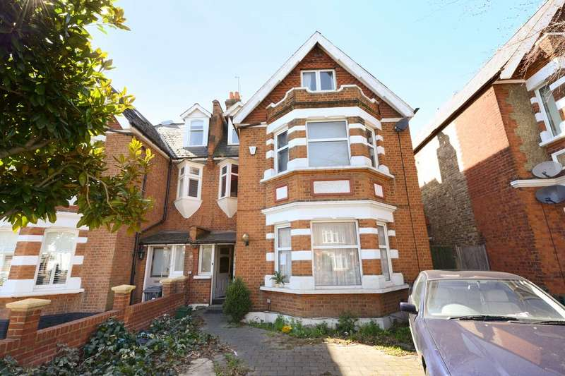 6 Bedrooms House for sale in Twyford Avenue, London, W3