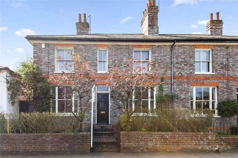 3 Bedrooms Semi Detached House for sale in Bath Road, Speen, Newbury, Berkshire, RG14