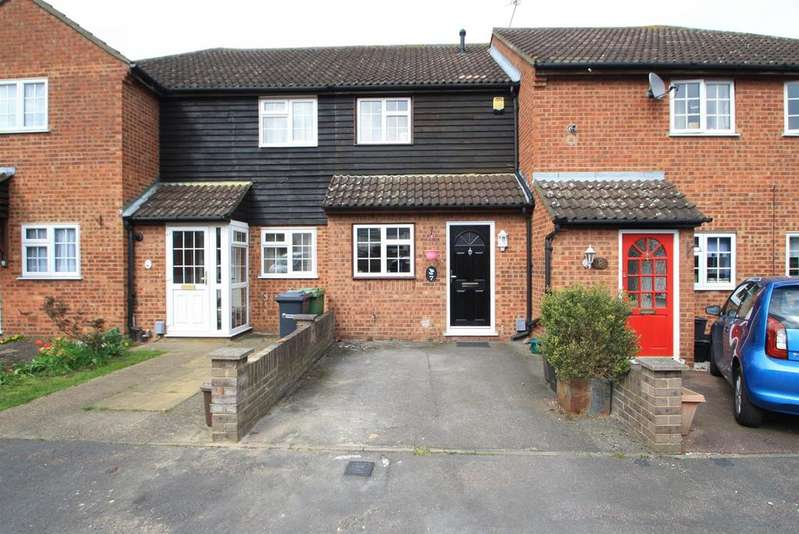 2 Bedrooms Terraced House for sale in Niagara Close, Cheshunt, Herts EN8
