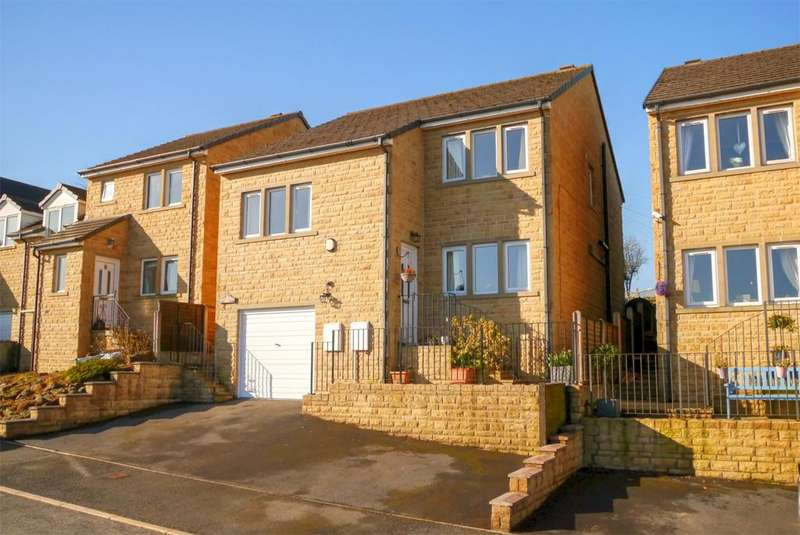 4 Bedrooms Detached House for sale in 9 Malham View Close, Barnoldswick