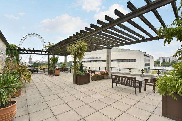 2 Bedrooms Apartment Flat for sale in WhiteHouse Apartments Belvedere Road, Lambeth, SE1