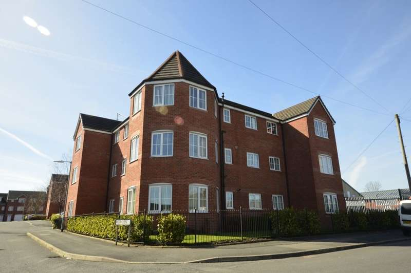 2 Bedrooms Flat for sale in Reed Close, Farnworth, Bolton, BL4