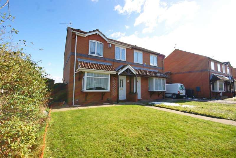 3 Bedrooms Semi Detached House for sale in Ridgewell Close, Lincoln, LN6