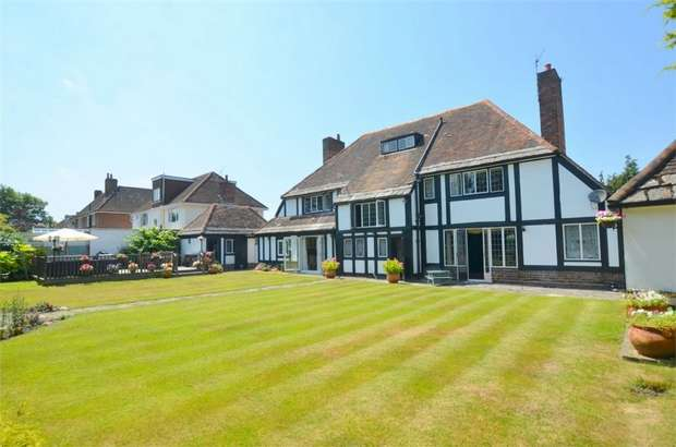 5 Bedrooms Detached House for sale in Littledown Drive, Bournemouth, Dorset