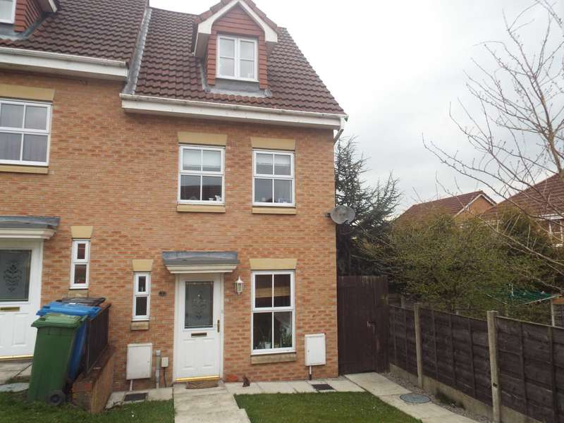 3 Bedrooms Semi Detached House for sale in Overton Close, Radcliffe