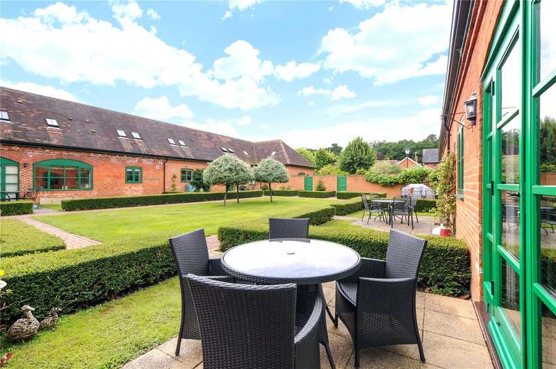 2 Bedrooms Terraced Bungalow for sale in Harvest Drive, Sindlesham, Wokingham, Berkshire, RG41