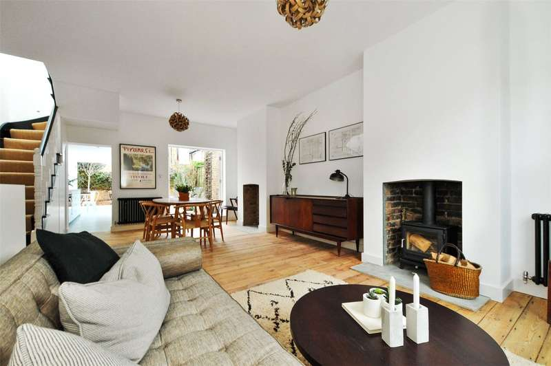 2 Bedrooms Terraced House for rent in Quilter Street, London, E2