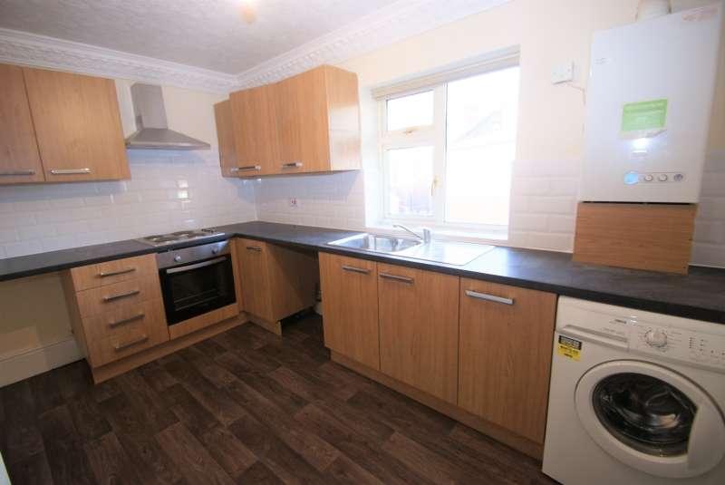 3 Bedrooms Apartment Flat for rent in Bentley Parade, Meanwood, Leeds