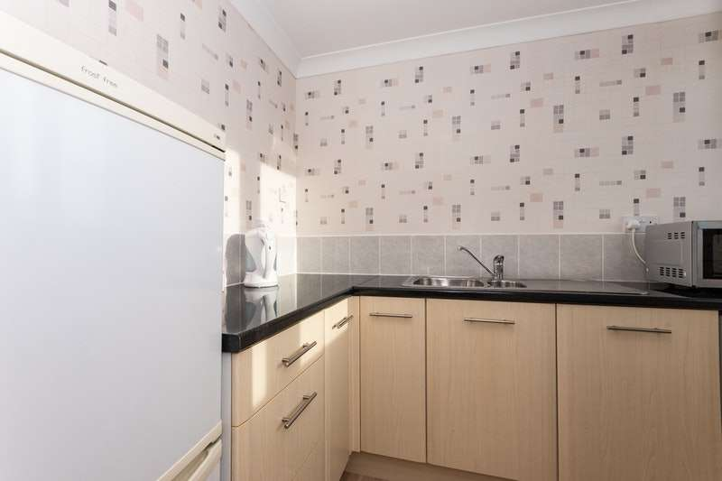 1 Bedroom Flat for sale in Upper Walworth Way, Sunderland, Tyne and Wear, SR1