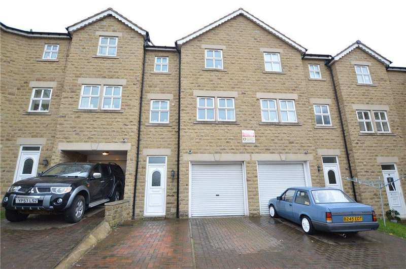 3 Bedrooms Town House for sale in Oakwood Mews, Soothill, Batley