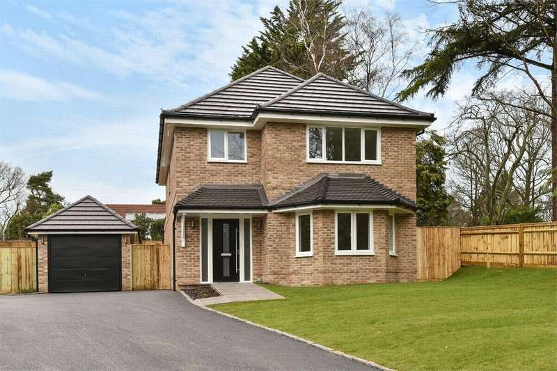 3 Bedrooms Detached House for sale in Summer Gardens, Camberley, Surrey