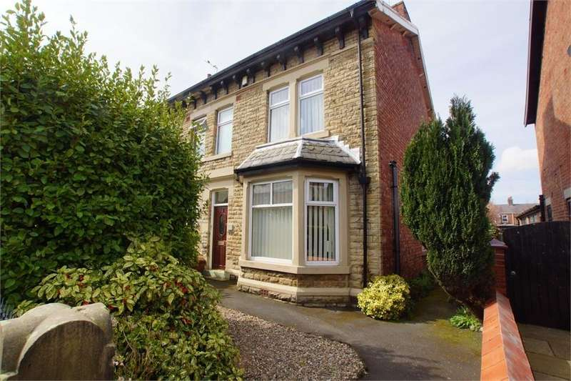3 Bedrooms Semi Detached House for sale in Woodlands Road, Ansdell, Lancashire