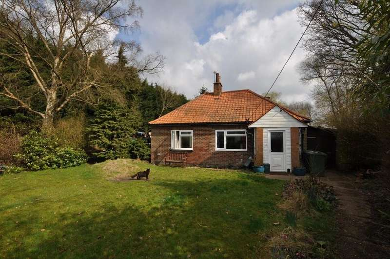 2 Bedrooms Detached Bungalow for sale in Normandy, Guildford