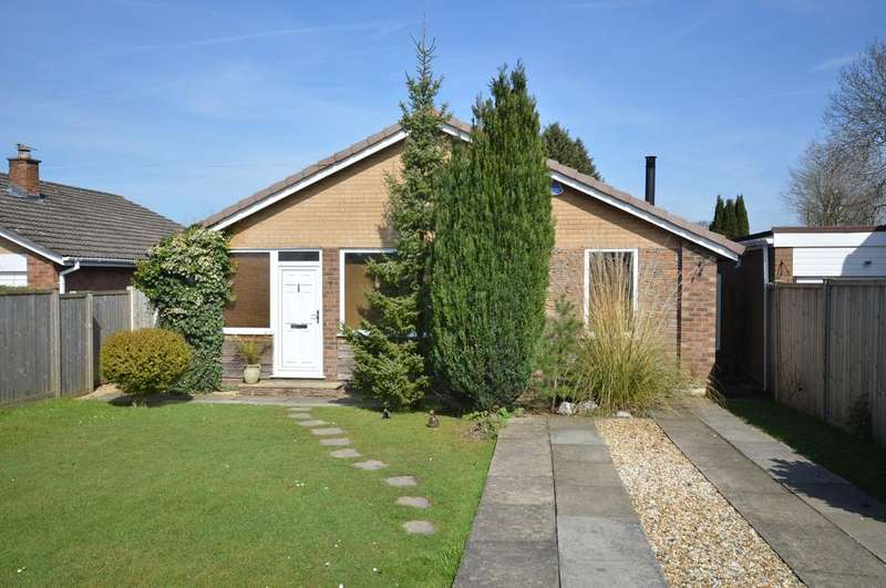 3 Bedrooms Detached Bungalow for sale in Church View, Lymm
