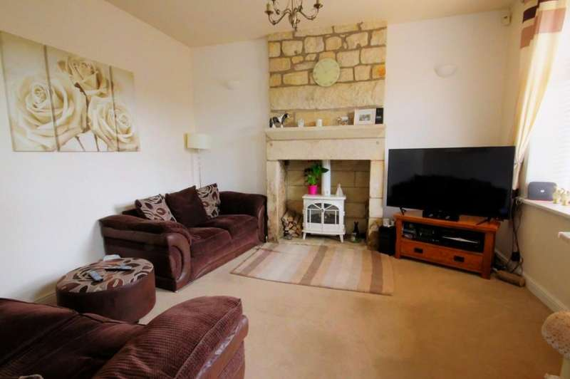 2 Bedrooms Terraced House for rent in Henshaw Road, Todmorden