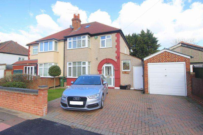 3 Bedrooms Semi Detached House for sale in Old Farm Avenue, Sidcup DA15 8AS