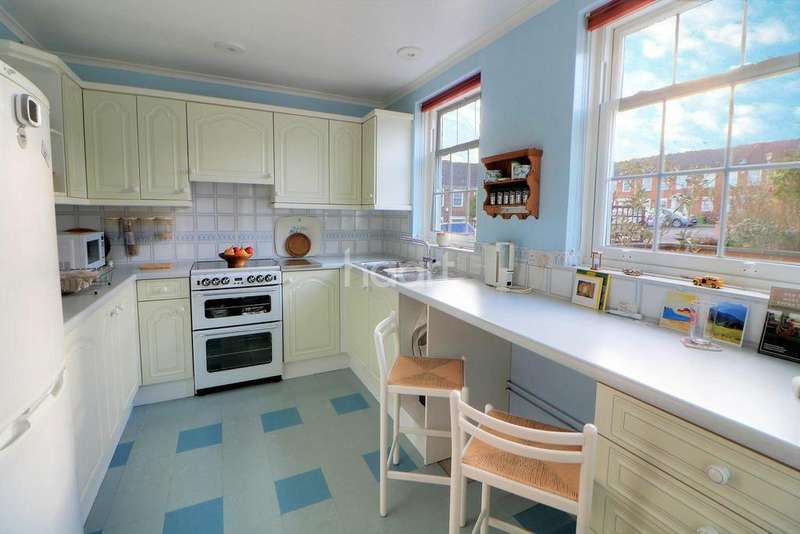 3 Bedrooms End Of Terrace House for sale in Stockwells, Taplow