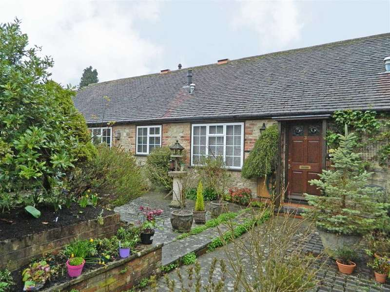 1 Bedroom Bungalow for sale in The Mews, Petworth