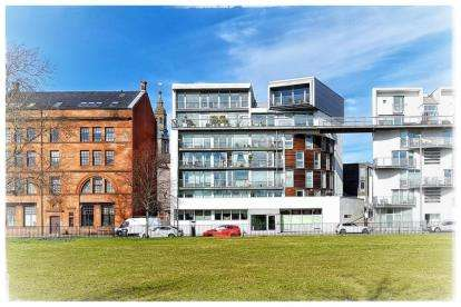 3 Bedrooms Flat for sale in Greendyke Street, Glasgow Green, Glasgow