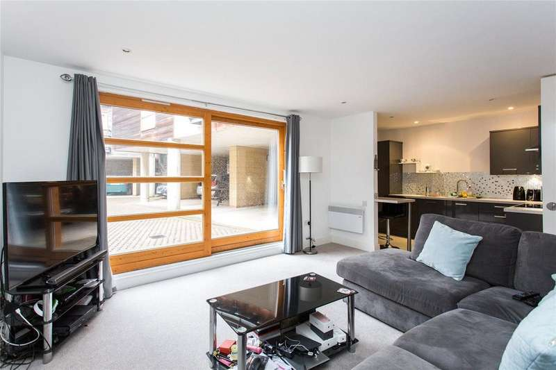 2 Bedrooms Apartment Flat for sale in Mawsons Court, Walmgate, York, YO1