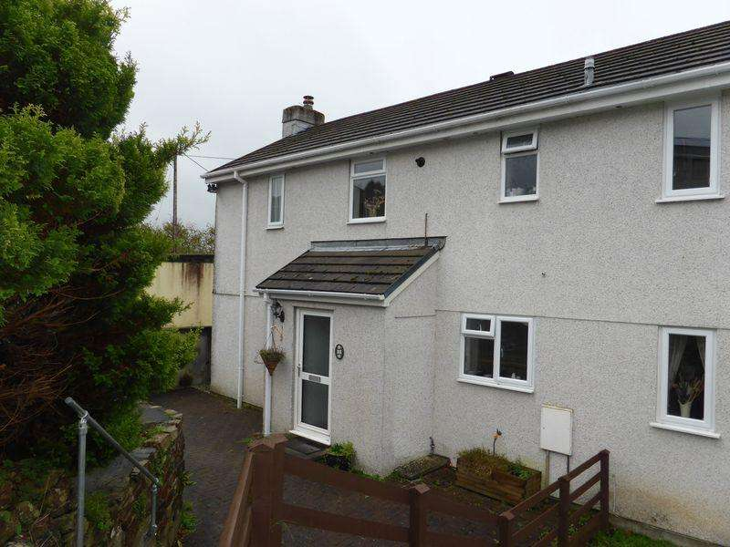 3 Bedrooms Terraced House for sale in Castle View, Lostwithiel