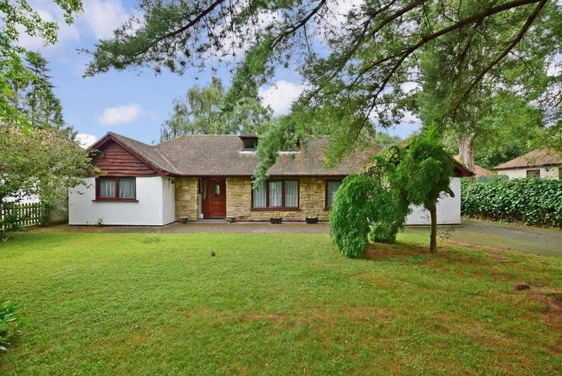 4 Bedrooms Detached Bungalow for rent in Fawkham Avenue Longfield DA3