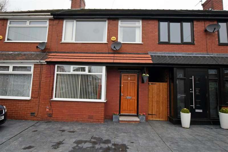 2 Bedrooms Terraced House for sale in Westfield Avenue, Alkrington, Middleton