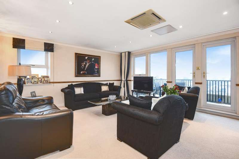 3 Bedrooms Flat for sale in Ruislip, Middlesex, HA4